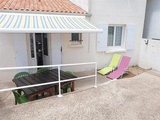 Agreable Maison de Vacances proche de la Plage centrale a la Tranche sur Mer