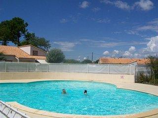 Agreable maisonnette de vacances 450m de la plage - Domaine Ste Anne - la Griere