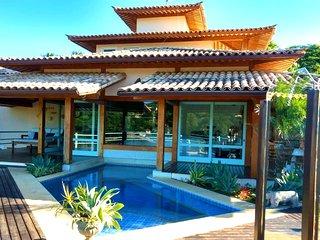 Casa Espetacular De Altíssimo Padrão Na Praia Da Ferradurinha