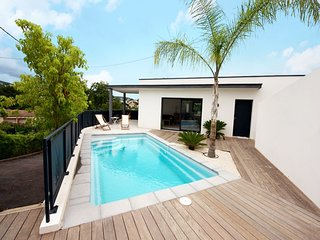 211049 new built 3 bedroom villa, airco, pool 6 x 3, walk to beach and centre