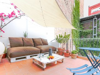 Cosy and quiet private terrace