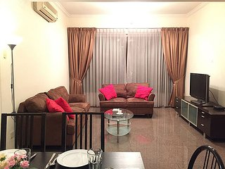 3 BR NOVENA, 2 STOPS AWAY FROM ORCHARD ROAD