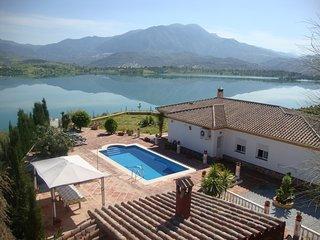 101487 -  Villa in Vinuela