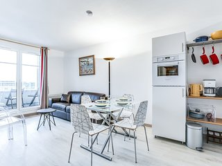 1 bedroom Apartment in Cabourg, Normandy, France : ref 5605260