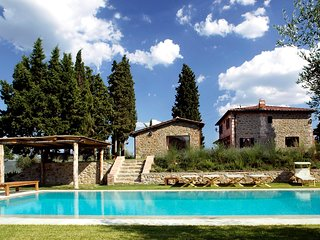 4 bedroom Villa in Siena, Tuscany, Italy : ref 5247749