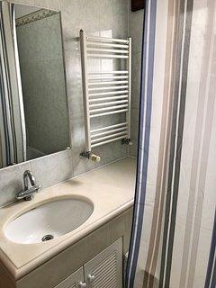 Bathroom for the Double room with shared bathroom