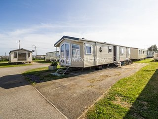 6 Berth Caravan. Double glazed and central heating.. Seawick Holiday Park 27422