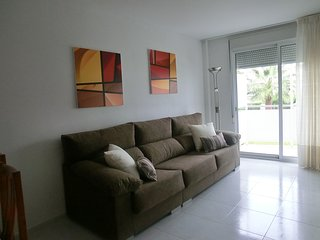Apartment - 3 Bedrooms with Pool and WiFi - 102284