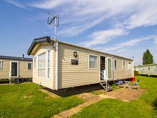 8 Berth, D/G & C/H. Close to amenities. Pets welcome. Seawick.  Ref 27052R