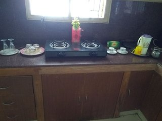 KLM Residence, Pleasant & Spacious 1BHK.25min Airport/AC/TV/Kitch/Power Backup