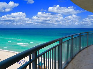Beautiful OceanFront 2 Bedroom On The Beach for 8