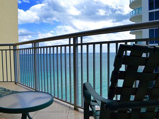 Beautiful OceanView 2 BR APT On The Beach for 8