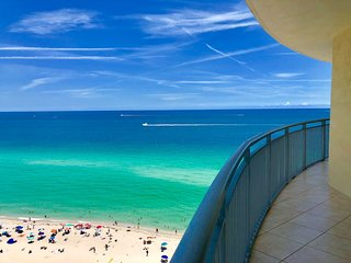 Beautiful OceanFront 3 BR APT On The Beach for 8