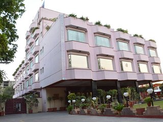 BEST HOTEL IN JAIPUR FOR BANQUET AND DESTINATION WEDDING