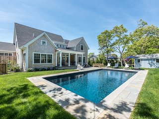 KULIJ - Stylish Custom Coastal Design Home, Luxury Appointments, Heated Pool, Po