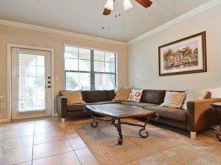 Stylish & spacious 4 bedroom condo on the Bella Piazza community