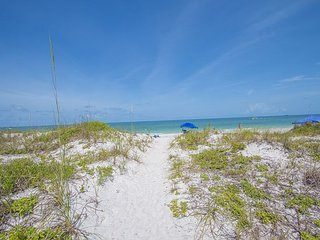 Sea Isles Condo by Beachhousefl NEW LISTING