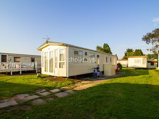 8 berth caravan with D/G,C/H and close to amenities. *Pets allowed. REF 27027R