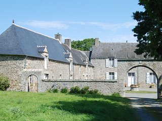 Nice house in Jugon-les-Lacs & Wifi