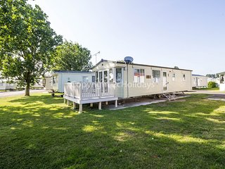 4 berth caravan with D/G, C/H and close to amenities. *Pets allowed. REF 27012MV