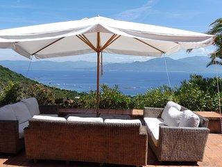 Villa de standing en bord de mer avec piscine