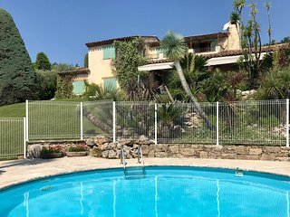 Luxurious Villa Close to centre Valbonne