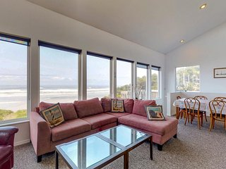 Oceanfront home w/ private hot tub, ocean views & beach nearby - dogs OK!