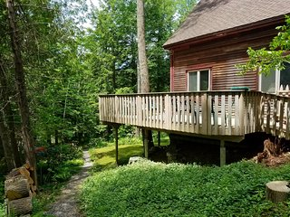 Waterfront vacation home--fully equipped