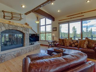 NEW LISTING! Alpine townhome with lake views, shared hot tub, sauna, and pool