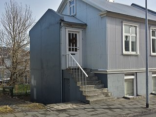 Live as locals apartments downtown Reykjavik (101)