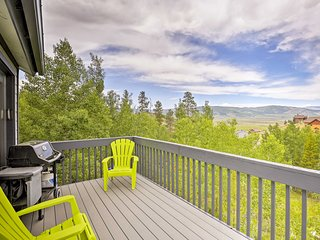Charming House w/ Deck - 5 Min From Granby Ranch!