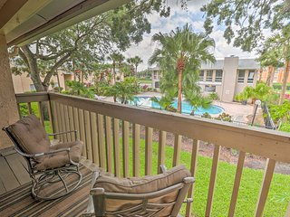 NEW! Sunny Orlando Condo w/Pools Near Theme Parks!