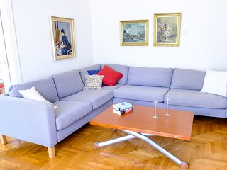Cozy 2bedroom apartment is central Chalandri area, sleeping 5-6 persons