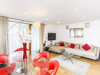 Charming and Modern 2 Bedroom Apartment