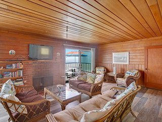Upper-level beachfront duplex with direct beach access and great ocean views!