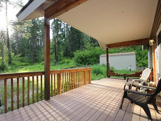 NEW LISTING! Dog-friendly cabin w/hot tub, near golf, lake, skiing
