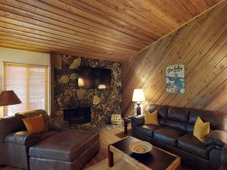 NEW LISTING! Mountain retreat w/golf on-site, shared pool, hot tub, sauna