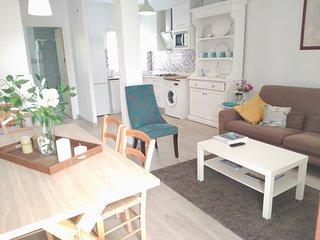 Casa con jardín, aparcamiento y sin escaleras