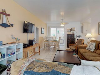 Balboa Island house in great community - near shopping, dining, beach, and more