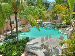 Special 2 Bedroom Paradise Location (5 minutes walk from Cabbage Beach)
