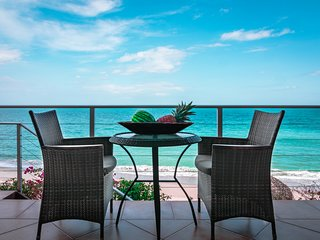 LUXURIOUS BEACHFRONT APARTMENT - NAUTILUS SUITE