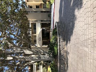 Secure Two Bedroom Condo with Pool, Gym in Pacific Beach