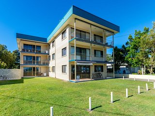 Great Views,  ground floor unit  Clearview Apartments South Esplande, Bongaree