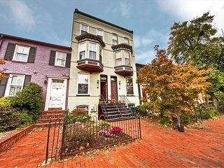 324 Northeast Townhome #1020