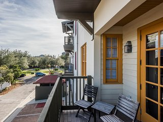 Rosemary Beach 34 N Barrett Square #2E