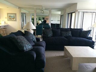 2 Bedroom Oceanfront Condo SUR106