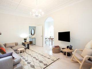 BLISS ON BIRRIGA (H735)-L'Abode Accommodation