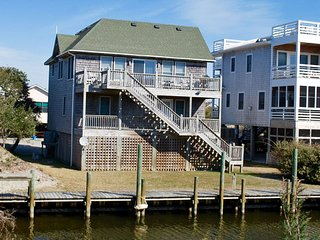 Will's Place-Canal front home in Oyster Creek w/ docking