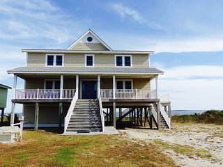 Bopp In-Offers unparalleled views of the Pamlico Sound.