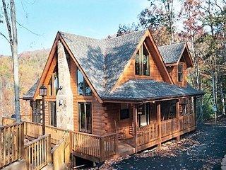 Pine Cone Peak Gatlinburg Cabin
